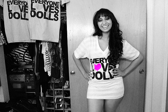 12 Vibrant Doll: Everyone Loves Dolls Tee