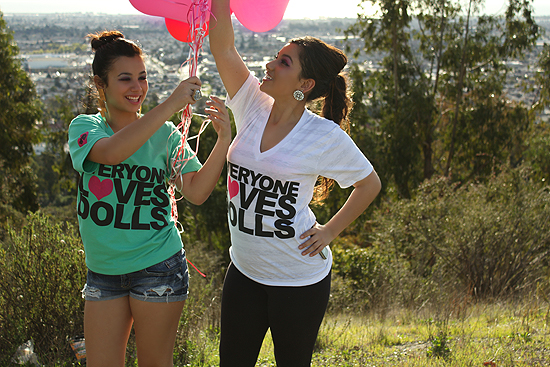7 Vibrant Doll: Everyone Loves Dolls Tee